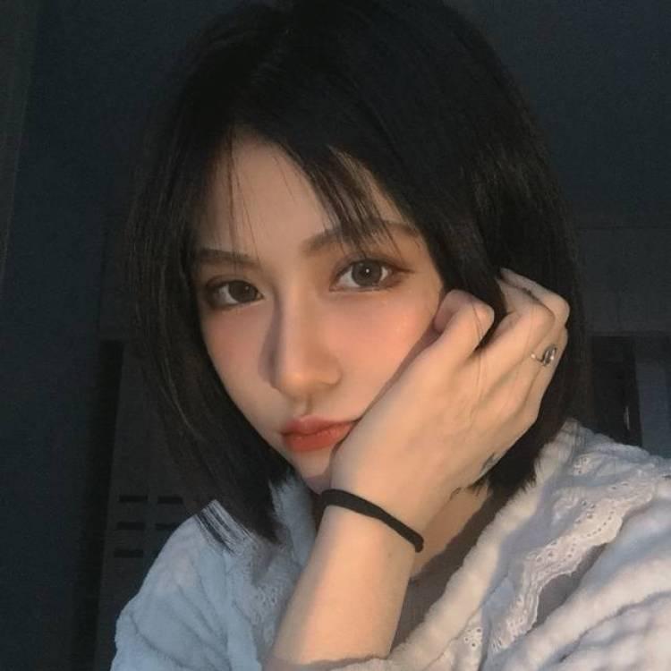好看的小姐姐-黑龙江省·哈尔滨市·南岗区--服装及化妆品买家秀,种草分享,接寄拍,也可分享妆容照片。本人瘦,大部分衣服都能穿的好看,空闲时间多