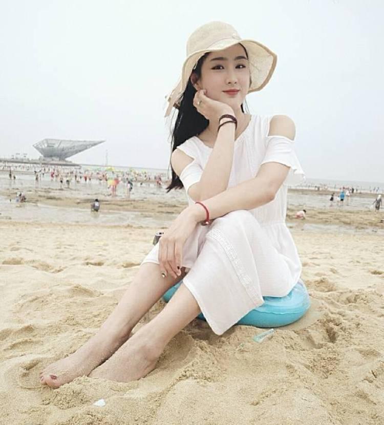 苗苗-吉林省·长春市·绿园区-朋友圈-淘气值1451,喜欢购物,会化妆,穿搭,平时也是比较喜欢拍照,可以接买家秀,来吧,砸单吧!