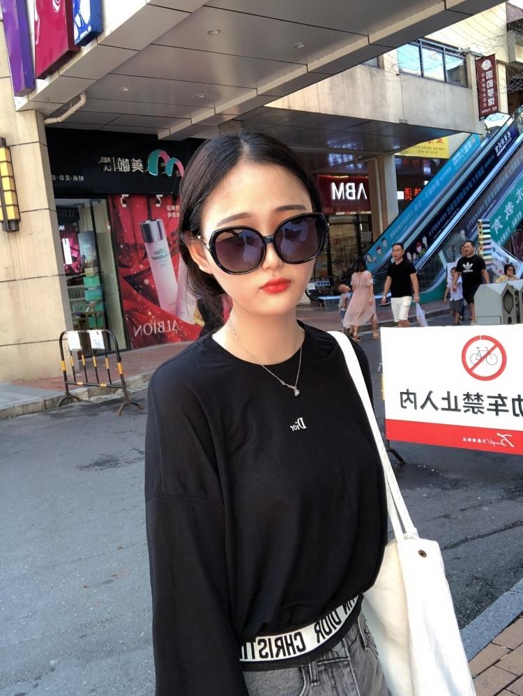 F-湖南省·常德市·武陵区-抖音  快手  微博 小红书-本人爱好唱歌  摄影  可接买家秀  平面模特  网拍模特  校园推广 等等 也可品牌代言