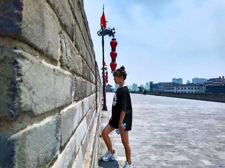 予俗-陕西省·咸阳市·杨陵区--我喜欢漂亮的衣服分钟给大家,我是一名学生,夏夏的日常穿搭会带你大家惊喜