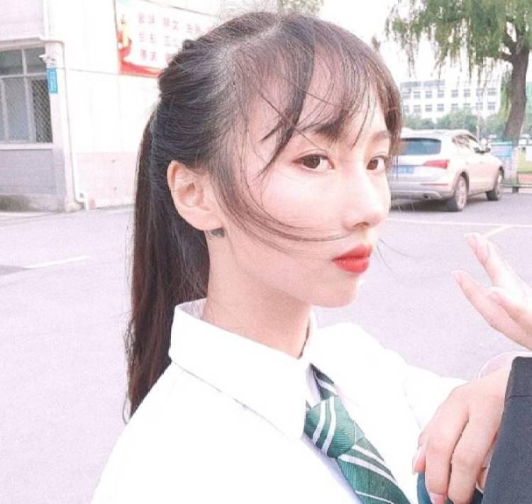Mi Manchi-湖北省·襄阳市·樊城区-抖音 小红书 -在校学生  美术专业 可接商品买家秀、校园推广、软文推广、开箱测评等