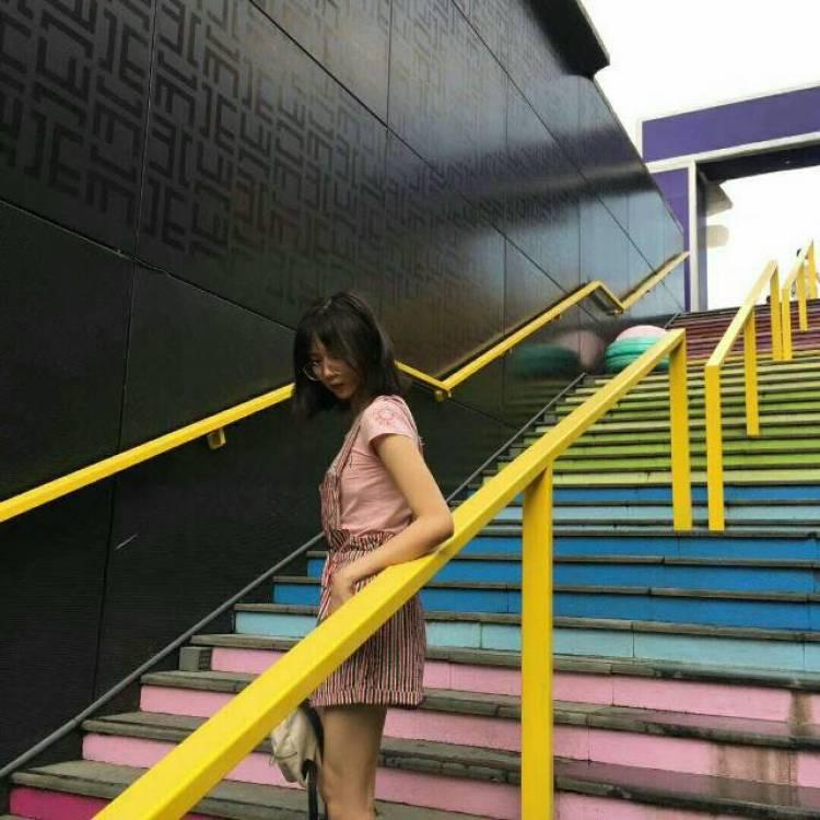 白白星与黑黑云-广东省·惠州市·惠阳区-抖音 微博 b站-喜欢拍照p图 风格多变 可以尝试并接受大部分风格 最喜欢甜酷 甜辣风 比较有亲和力 嘻嘻