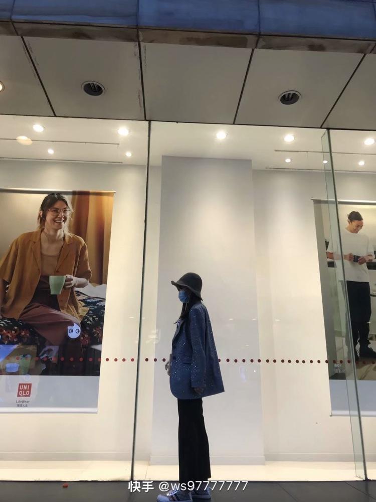 温柔厉爽-辽宁省·葫芦岛市·连山区--身高170厘米 体重55公斤 拍照有技巧 地区限制接礼仪 平面模特 网拍  不能接受太暴露 给钱咱就好好给商家拍 给商家做事❤️