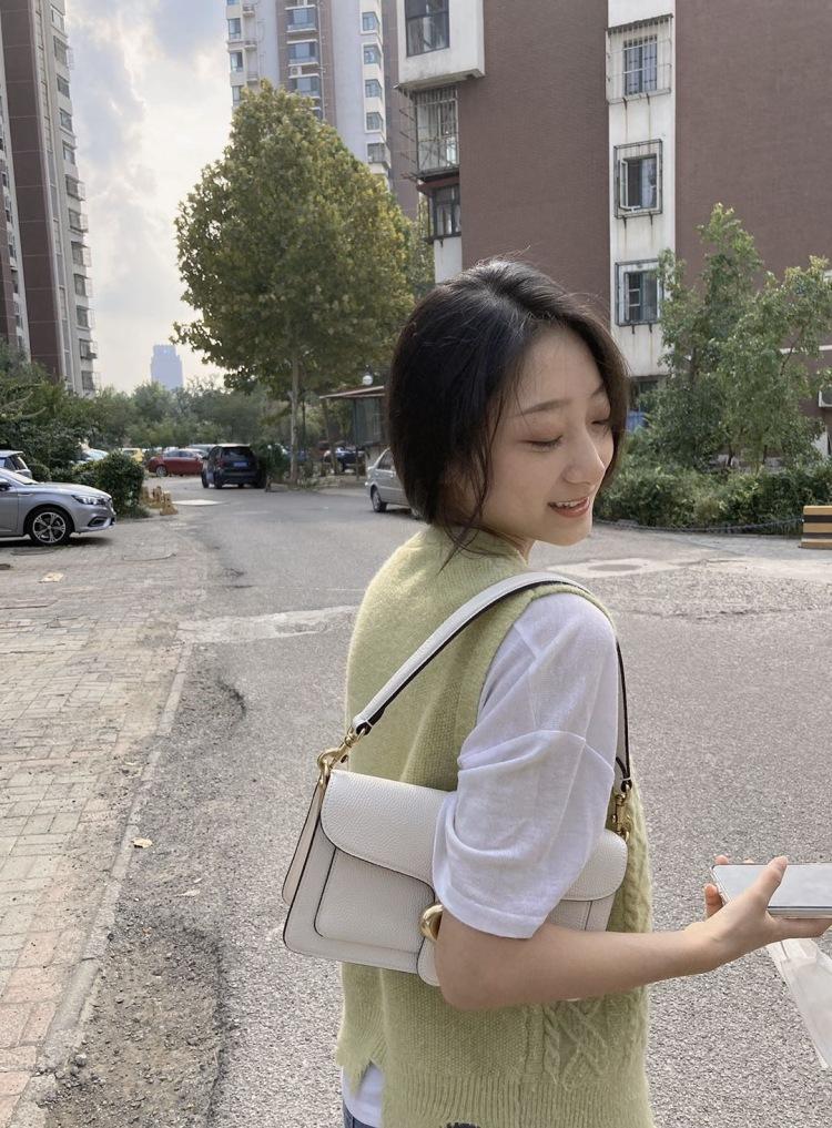 瑶大可爱-天津市·天津市·河东区--可接寄拍  女装 包包 饰品等 长期接拍