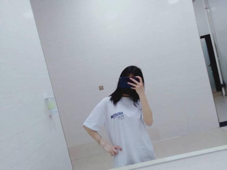 曌-重庆市·重庆市·合川区--买家秀    约拍都可以 学生  主要锻炼一下自己 要求不高  薪资可议    希望给我一个机会