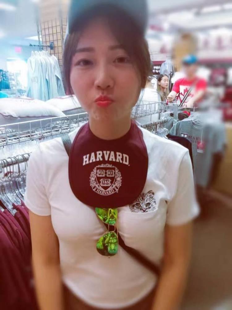 小妍-黑龙江省·哈尔滨市·南岗区--我的特长是跳舞 爱好是画画 身高177 体重55公斤 个性开朗活泼 平时会做平面模特 礼仪模特,网拍模特等工作