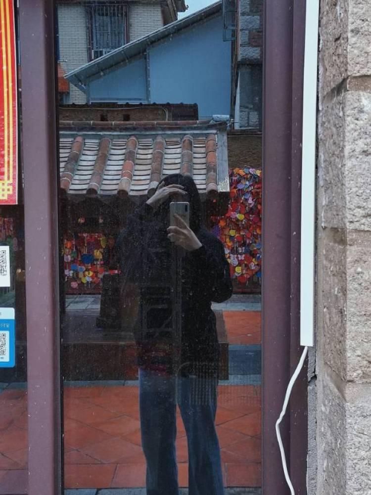 瑾-福建省·泉州市·丰泽区--擅长修图拍照 身高164 体重120 鞋码39 平常喜欢打卡拍照 风格多变 可盐可甜 偏爱潮酷穿搭 本人耐心 配合度高 期待合作