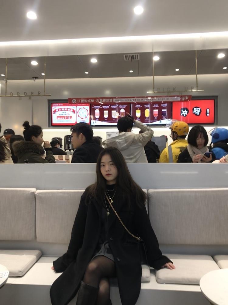 Tian~-湖南省·张家界市·永定区--本人喜欢拍照,会P图、性格活泼开朗 可接衣 饰品 鞋子 挑战自己