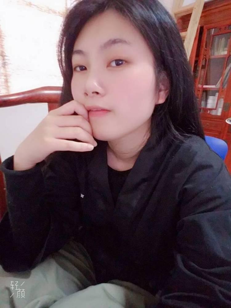 通恒-江西省·吉安市·峡江县--没啥特长的,就声音好听萝莉音御姐少女音都可以,头发特长,风格看照片自己觉得能接什么,就接吧,就是不会化妆所以接不了口红之外的化妆品。155cm,112斤,看腿才会发现胖。