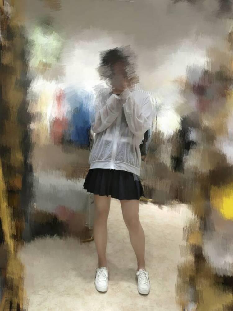 木栅潘若迪-云南省·昆明市·嵩明县--身高170 体重110 风格:休闲舒适为主 贴近日常 会修图 有意者加微信私聊
