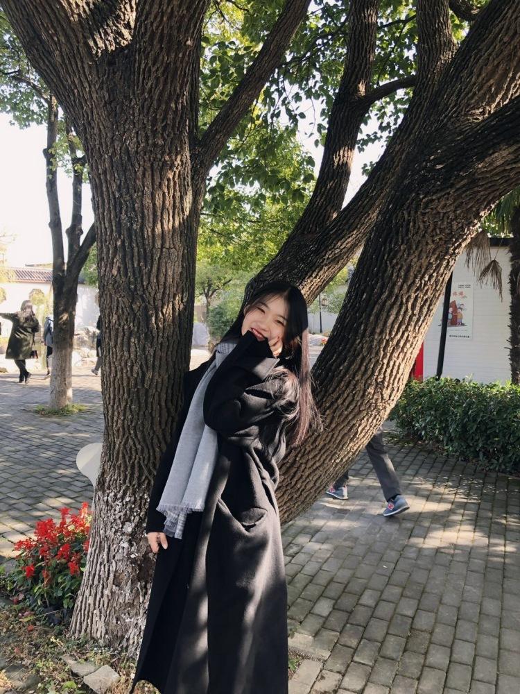 荣R-江苏省·常州市·钟楼区-抖音-会拍照  粉丝两百多  风格淑女  气质型
