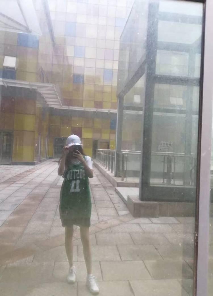 Aphrodite-湖南省·长沙市·雨花区-都经常玩 除了头条-特长:跳舞 唱歌 自拍 计算机专业 会p图 化妆 看了一下服务范围都可以接受 感觉没问题
